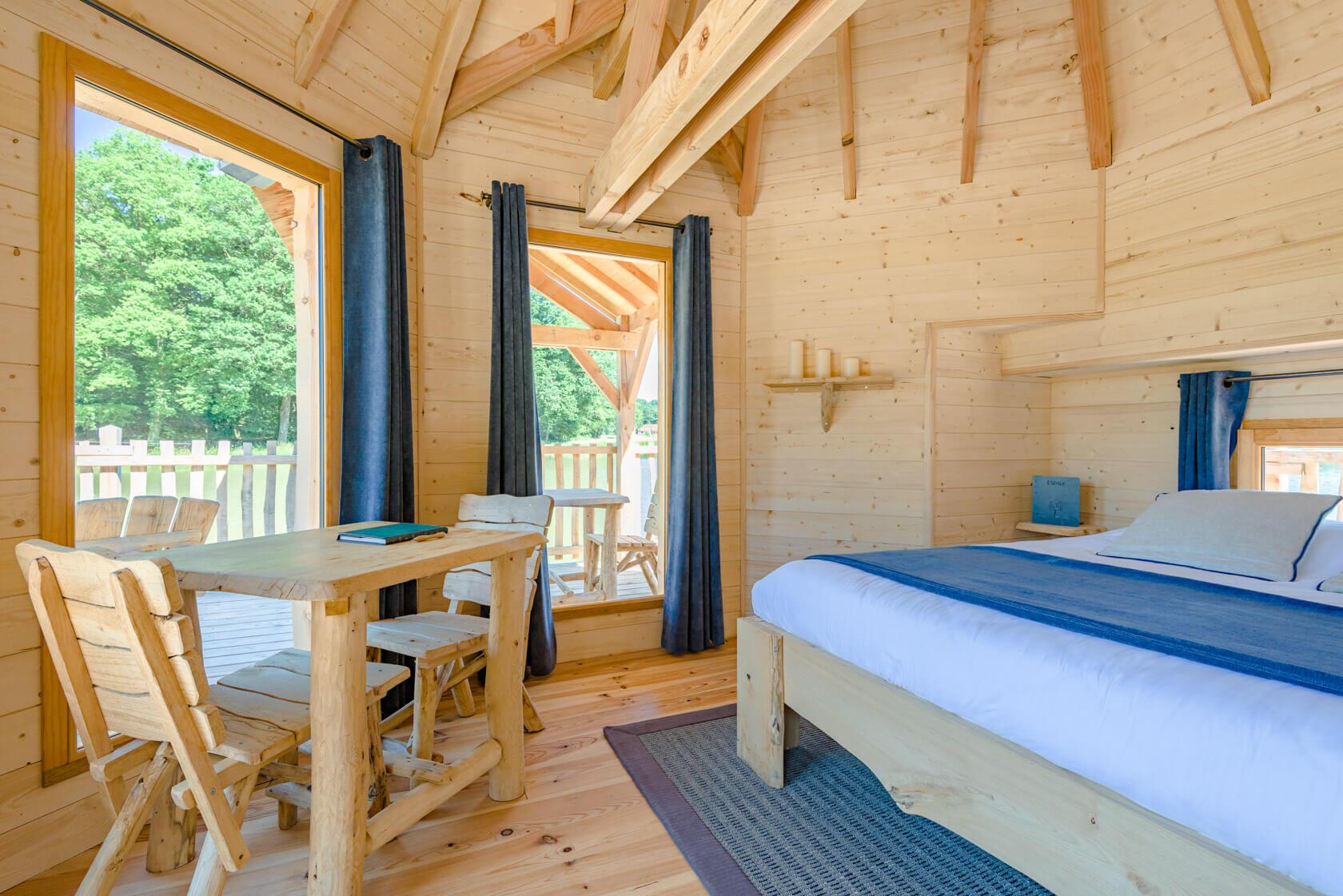 cabane escale coucoo grands reflets en franche comt. Black Bedroom Furniture Sets. Home Design Ideas